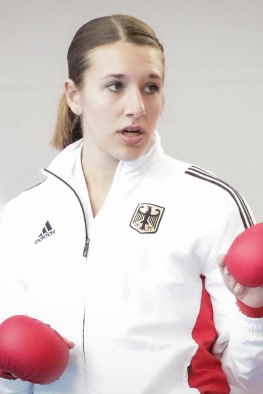 Portrait Johanna Kneer