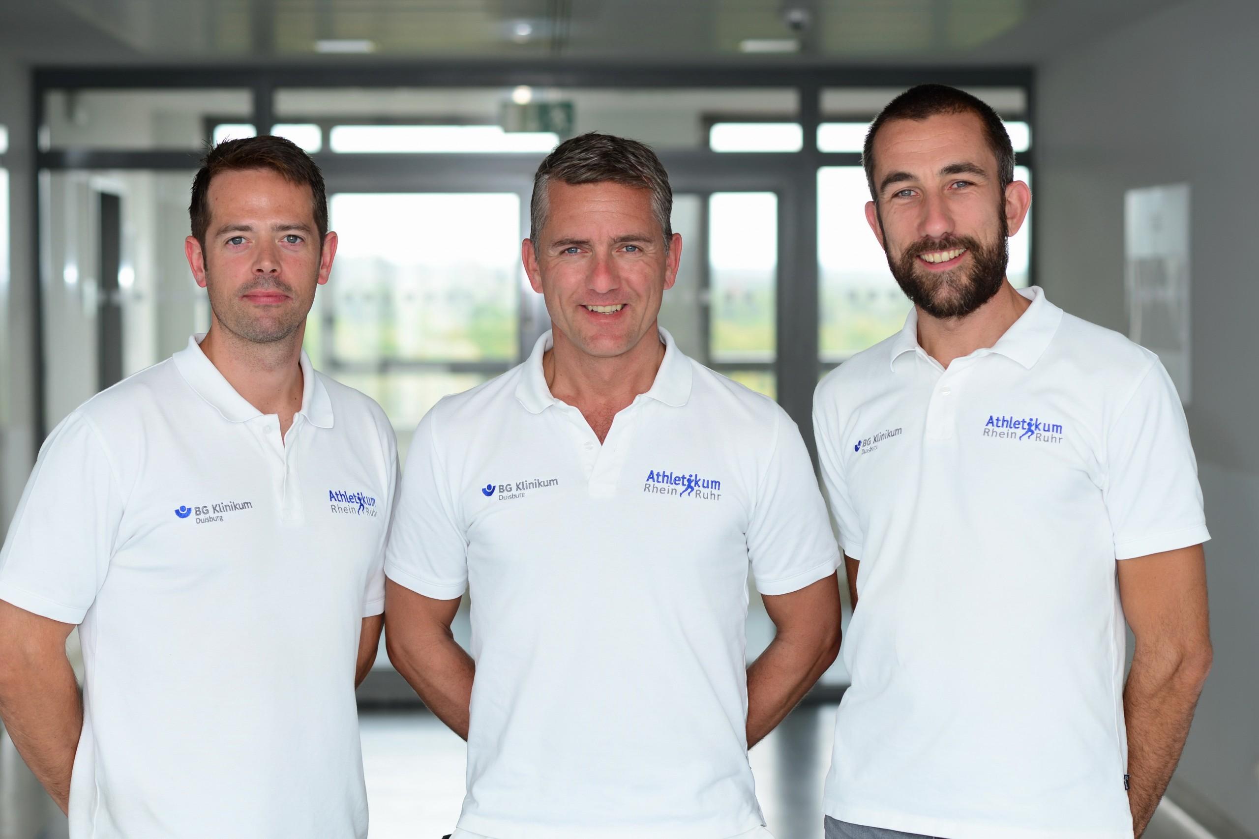 von links: Dr. Christian Raeder (Sportwissenschaftler - Athletikum Rhein-Ruhr), Dr. Christian Schoepp (Chefarzt der Sporttraumatologie & Sportmedizin), Arthur Praetorius (Sportwissenschaftler - Athletikum Rhein-Ruhr).