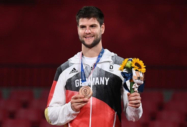 Dimitrij Ovtcharov gewinnt die Bronzemedaille im Einzel (Bild: Picture Alliance)